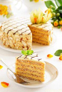 """""""ЭСТЕРХАЗЕ"""" — миндально-шоколадный торт, популярный в Венгрии, Австрии и Германии"""
