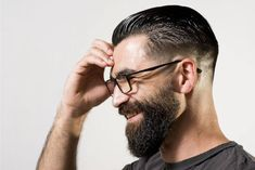 How to trim his beard? Personal tutorial and tips, Undercut Men, Undercut Pompadour, Undercut Hairstyles, Cool Hairstyles, High Skin Fade Haircut, Low Skin Fade, Cool Haircuts, Haircuts For Men, Beard Styles