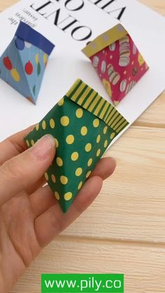 Paper Crafts Origami, Paper Crafts For Kids, Origami Paper, Oragami, Diy Crafts Hacks, Diy Crafts For Gifts, Creative Crafts, Creative Gift Wrapping, Simple Origami Tutorial