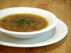 vegan french onion soup, and it's such a simple recipe. making this for dinner tonight.