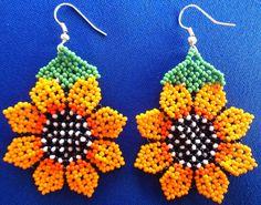 Huichol Beaded Sunflower earrings by Aramara on Etsy Seed Bead Earrings, Diy Earrings, Flower Earrings, Beading Projects, Beading Tutorials, Peyote Patterns, Beading Patterns, Native Beadwork, Earring Tutorial