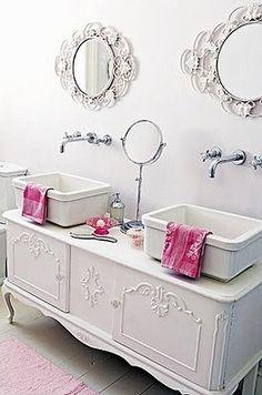 Romantic Shabby Chic - Bathroom @pattonmelo