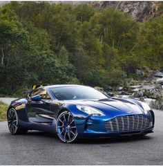 ASTON MARTIN - Best Picture For cars range rover For Your Taste You are looking for something, and it is going to tell yo Aston Martin One 77, Aston Martin Cars, Aston Martin Vanquish, Luxury Sports Cars, Exotic Sports Cars, Exotic Cars, Classic Corvette, Bmw Classic Cars, Porsche Classic