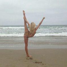 #cheer stunt at the beach  #KyFun scale cheerleader ocean bikini
