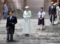 Crown Prince Naruhito and Crown Princess Masako of Japan took their daughter Princess Aiko for her first visit to the Ise Shrine