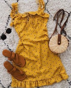 yellow short sundress outfit idea outfits dresses # dresses - Source by OutfitTrendss ideas casual Yellow Dress Summer, Short Summer Dresses, Summer Dress Outfits, Spring Outfits, Yellow Dress Outfits, Dress Long, Yellow Sundress, Spring Shorts, Teen Fashion Outfits