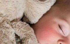 """Bimbi a nanna con: """"Il coniglietto che voleva addormentarsi"""" Se l'ora della nanna è un problema, ecco in aiuto a tutti i genitori un libro davvero molto, ma molto prezioso: """"Il coniglietto che voleva addormentarsi"""" di Carl-Johan Forseén Ehrlin! Andiamo a scopr #nanna #bambini #coniglio #libri #sonno"""