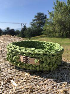 Green Basket, Crocheting