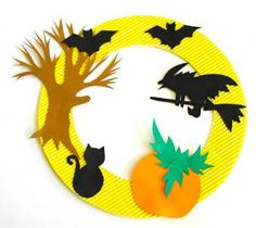 Halloween window decoration, a decoration for Halloween Diy Halloween, Halloween Fotos, Adornos Halloween, Manualidades Halloween, Halloween Party Games, Theme Halloween, Halloween 2020, Happy Halloween, Halloween Arts And Crafts