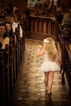 Wedding. Flower girl