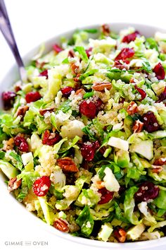 Brussels Sprouts, Cranberry And Quinoa Salad http://www.changeinseconds.com/brussels-sprouts-cranberry-and-quinoa-salad/ #vegan #glutenfree