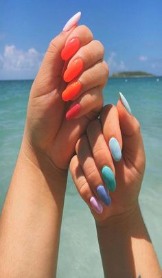 perfect use of color Latest Nail Designs, Latest Nail Art, Easy Nail Art, Cool Nail Art, Nail Arts, Nails, Simple, Color, Finger Nails