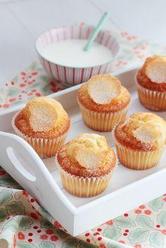 Postreadicción galletas decoradas, cupcakes y pops: Magdalenas clásicas