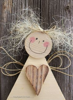 Wooden angel with heart Christmas Makes, Christmas Wood, Christmas Angels, Christmas Projects, Kids Christmas, Handmade Christmas, Christmas Ornament Crafts, Holiday Crafts, Diy And Crafts