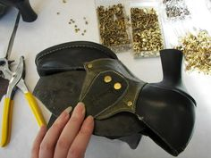 DIY Leather Mod to shoes! Even that Steampunk / Victorian Look!