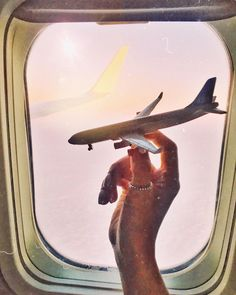 Cute Wallpaper For Phone, Wallpaper S, Airplane Photography, Travel Photography, Pilot, Flight Attendant Life, Accessoires Iphone, Couple Pictures, Cute Love