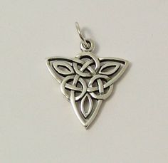 The Celtic triskele represents the power of three. This pendant is made from sterling silver and makes a very attractive piece of pagan jewellery. Celtic Tribal, Celtic Culture, Alice, Irish Celtic, Metal Artwork, Celtic Designs, Selling On Ebay, Heart Ring, Creations