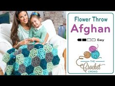 Yarnspirations is the spot to find countless free easy crochet patterns, including the Red Heart Flower Throw. Browse our large free collection of patterns & get crafting today! Crochet Crowd, Crochet Kids Hats, Crochet Granny, Baby Blanket Crochet, Learn Crochet, Crocheted Blankets, Sweater Knitting Patterns, Easy Crochet Patterns, Crochet Designs