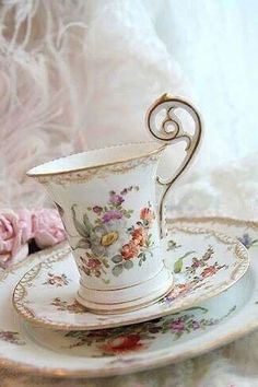 When I get my own house I am totally going to have mad hatter parties with tea.