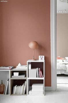 LADY 10580 Soft Skin på soverom, 2856 Warm Blush på nærmeste vegg