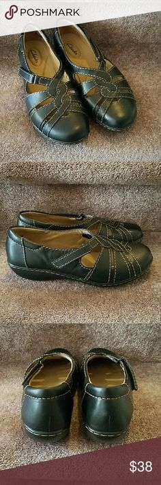 """NWOT Clarks brown leather slip-on, 7W NWOT, brown braided leather upper, slip on with velcro straps, womens size 7W. Man made bottoms. No marks, stains or scratches. 1"""" heel. Clarks Shoes Flats & Loafers"""