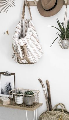 decoration-entree-idee - New Deko Sites Room Inspiration, Interior Inspiration, Garden Inspiration, Boho Chic Interior, Decoration Entree, Interior And Exterior, Interior Design, Deco Boheme, Boho Home