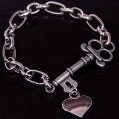A key to my heart! Silver-plated bracelet with chain link... be inspired by Charmington Designs!