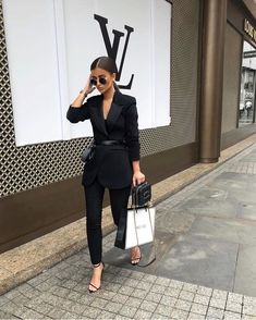 3 Approaches That Affect Women Entrepreneurship Fashion Mode, Suit Fashion, Office Fashion, Fashion Outfits, Womens Fashion, Petite Fashion, Fashion Trends, Classy Outfits, Stylish Outfits