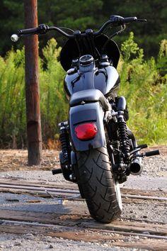 Black Betty Dual Disc Club Style Street Bob Photoshoot - Harley Riders USA Forums
