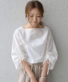 Swans Style is the top online fashion store for women. Blouse Styles, Blouse Designs, Casual Dresses, Fashion Dresses, Sleeves Designs For Dresses, Fashion Details, Fashion Design, Blouse And Skirt, Japan Fashion