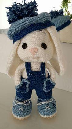 Amigurumi: Ideias Criativas e Dicas Para Fazer Lindos Modelos - Polvo de Crochê - Crochet Bunny Pattern, Crochet Rabbit, Crochet Animal Patterns, Crochet Patterns Amigurumi, Stuffed Animal Patterns, Cute Crochet, Amigurumi Doll, Crochet Dolls, Crochet Baby