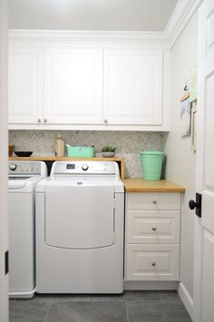 Young House Love | DIY Laundry Room | http://www.younghouselove.com