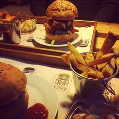 Hamburger, Beef, Ethnic Recipes, Food, Couple, Meat, Essen, Burgers, Meals