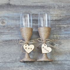 Hey, I found this really awesome Etsy listing at https://www.etsy.com/listing/220500508/custom-wedding-glasses-toasting-flutes