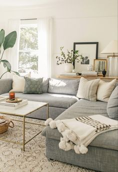 modern meets traditional living room decor with gra&; modern meets traditional living room decor with gra&; Living Room Grey, Home Living Room, Apartment Living, Living Room Designs, Grey Living Room Furniture, Boho Chic Living Room, White Apartment, Small Living Rooms, Cozy Living