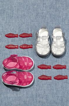 Get jelly, baby. Love the close toe - means she can wear them to school! Cute Outfits For Kids, Toddler Outfits, Cute Kids, Boy Outfits, Cute Babies, Baby Kids, Baby Girl Shoes, Girls Shoes, Baby Girl Fashion
