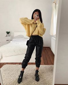 Amazing Spring Outfits Ideas for Women 2020 « Matchesfashions Teenage Outfits, Winter Fashion Outfits, Outfits For Teens, Fashion Fall, Fashion Clothes, Fashion Fashion, Fashion Women, Fashion Ideas, Fashion Tips