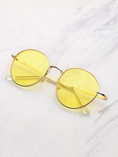 Shop Tinted Flat Lens Sunglasses at ROMWE, discover more fashion styles online. Round Lens Sunglasses, Cute Sunglasses, Summer Sunglasses, Cat Eye Sunglasses, Sunglasses Women, Sunnies, Sunglasses Online, Yellow Tinted Sunglasses, Mirrored Sunglasses