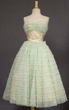 Vintage Clothing, Costume Jewelry, Fashion Accessories VINTAGEOUS.COM- literally my dream dress