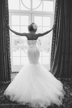 #WeddingPhotography in #Charlotte by Critsey Rowe Photography. #Bride #Gown