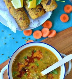 Maharashtrian Usal recipe :: Sprouted Moth beans in coconut based gravy :: Sprouts ki daal – The Veggie Indian Sprout Recipes, Veg Recipes, Indian Food Recipes, Vegetarian Recipes, Cooking Recipes, Vegetarian Curry, Pav Recipe, Bhaji Recipe, Indian Vegetable Curry