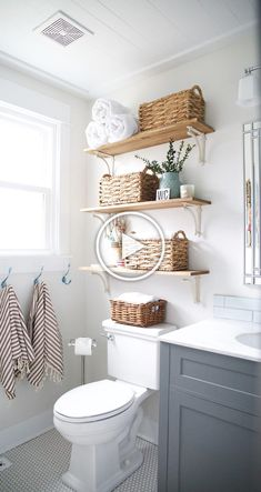 Bedroom Storage Ideas For Clothes, Bedroom Storage For Small Rooms, Rustic Kitchen Design, Eclectic Kitchen, Bad Inspiration, Bathroom Inspiration, Bathroom Ideas, Bathroom Updates, Bathroom Design Small