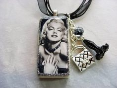 Very cool necklace!! I know the perfect person to wear this Miss Sara!!