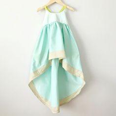 Unbelievable summer dress from  www.pleiadeshandmade.com