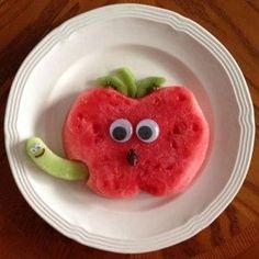 Watermelon wormy apple snack // fun creative kids food ideas