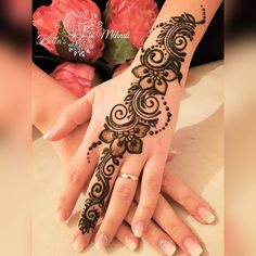 50 Most beautiful Berlin Mehndi Design (Berlin Henna Design) that you can apply on your Beautiful Hands and Body in daily life. Henna Tattoo Designs Simple, Latest Arabic Mehndi Designs, Back Hand Mehndi Designs, Finger Henna Designs, Henna Art Designs, Mehndi Designs 2018, Mehndi Designs For Girls, Mehndi Designs For Beginners, Mehndi Design Pictures