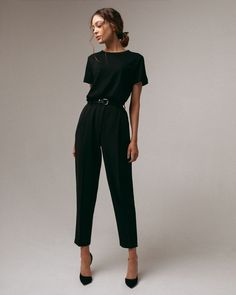 Tapered trousers in black — Namelazz : Tapered trousers in black — Namelazz Casual Work Outfits, Business Casual Outfits, Professional Outfits, Mode Outfits, Office Outfits, Classy Outfits, Stylish Outfits, Fashion Outfits, Black Trousers Outfit Casual