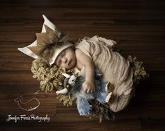 Today I have a super sweet newborn photo session of Landon from Jennifer Farris Photography . I love the Where the Wild Things Are theme and those newborn lips? Newborn Photography Poses, Newborn Posing, Newborn Session, Children Photography, Photography Ideas, Newborn Pictures, Maternity Pictures, Baby Photos, Baby Hazel