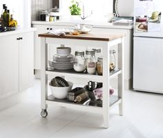 Creative cooking doesn't need lots of space. With a STENSTORP cart, you get extra workspace in an instant. Just wheel it wherever you need it.