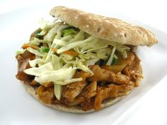 Oven Baked Skinny Shredded Barbecue Chicken Sandwiches, No Crock Pot Needed! This is so tender and extremely flavorful. One sandwich, only 238 calories, 4 grams of fat and 6 Weight Watchers POINTS PLUS. Skinny Recipes, Ww Recipes, Light Recipes, Chicken Recipes, Cooking Recipes, Healthy Recipes, Cleaning Recipes, Bread Recipes, Healthy Foods